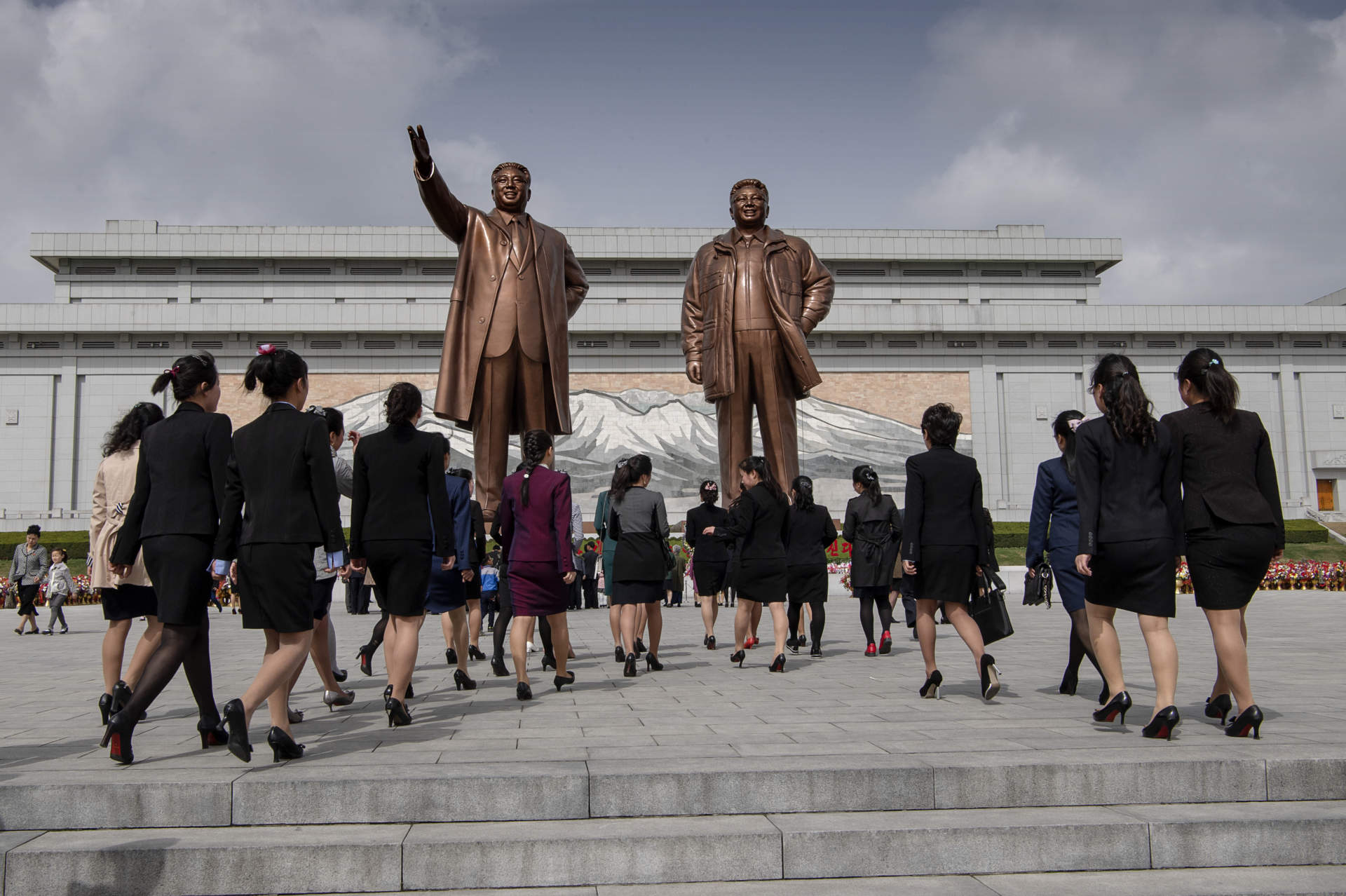 Nordkorea. (DPRK) Pyongyang. Firandet av Kim Il Sungs 106e födelsedag. Kim Il Sung square.